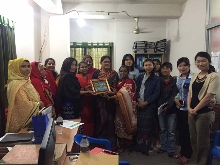 SMART Myanmar: Garment workers' experience exchange.