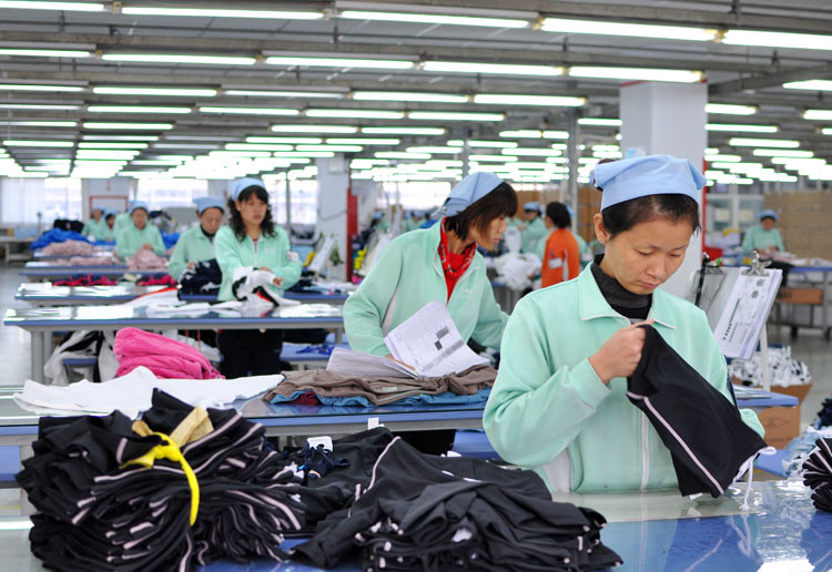 Nike agrees to factory labour