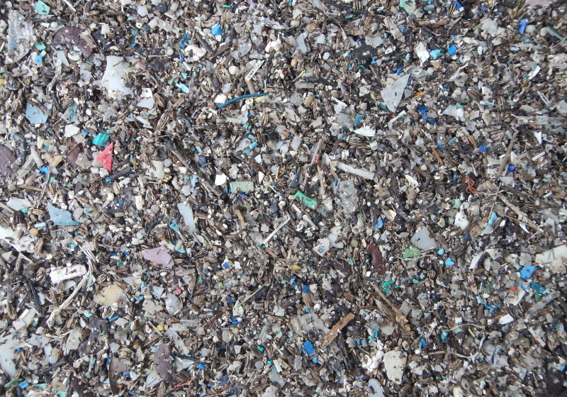 Scientists remove microplastics from water